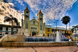 Catedral-de-Nuestra-Señora-del-Carmen-Villavicencio.jpg